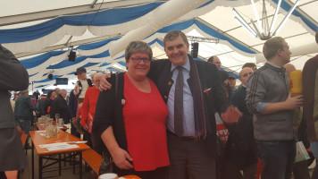 Dagmar Levin mit dem oberbayerischen Bezirksvorsitzenden Ewald Schurer
