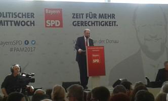 Martin Schulz gab ein leidenschaftliches Bekenntnis gegen den Rechtspopulismus, für Europa, Solidarität und soziale Gerechtigkeit ab.