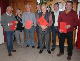 Von links: Helmut Preuss, Sigi Kumberger, Robert Eggerl, Bürgermeister Peter Kloo, Anni Kloo, Kurt Möser und Werner Irlinger (nicht auf dem Bild: Hans Nachbauer)