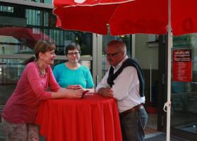 ..unsere Helfer im Harrerhaus - Jo-Ann Plab, Sabine Seidel und Franz Fuchs - ein tolles Team