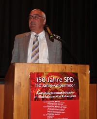 """Josef Falbisoner während seines Vortrags """"Ist der Sozialstaat am Ende"""" - soziale Gerechtigung auf dem Prüfstand"""